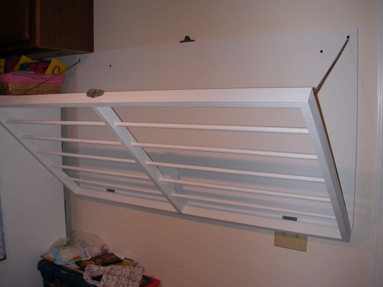 Fancy wall mounted clothes drying rack stendibiancheria
