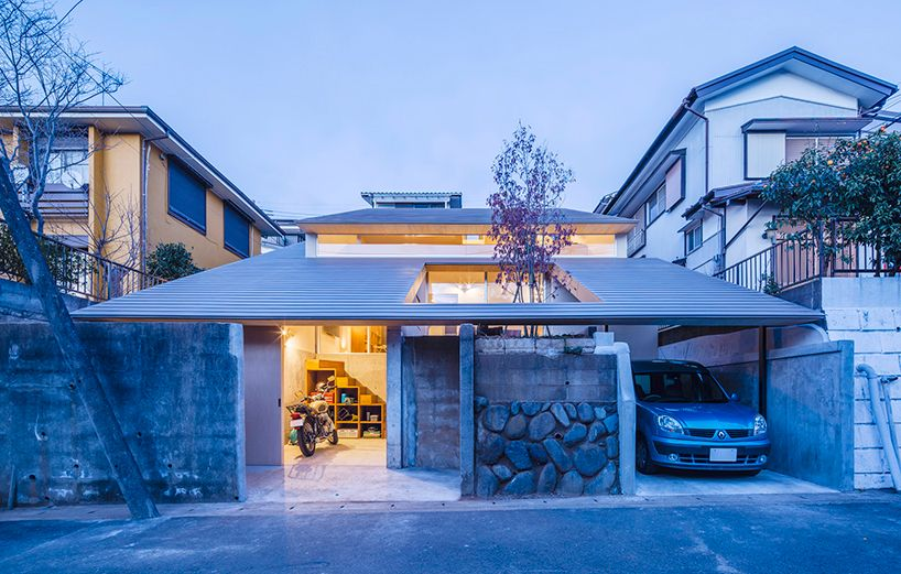 Dog Architect Tops House In Japan With Two Tier Roof Japanese