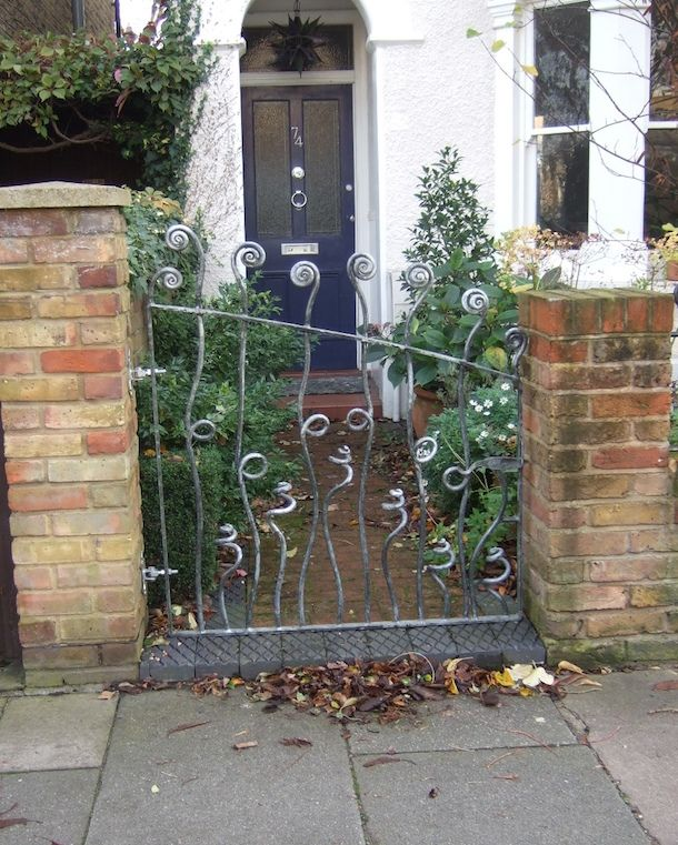 Gates and Railings - Straysparks Creative Metalwork in ...