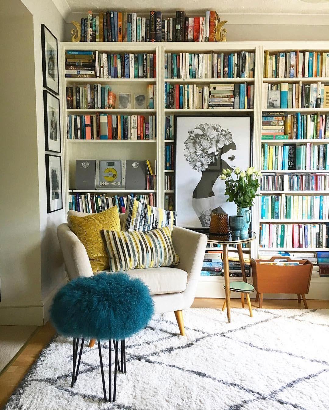 18 Idées Déco pour les Murs de votre Salon  Idee deco mur salon