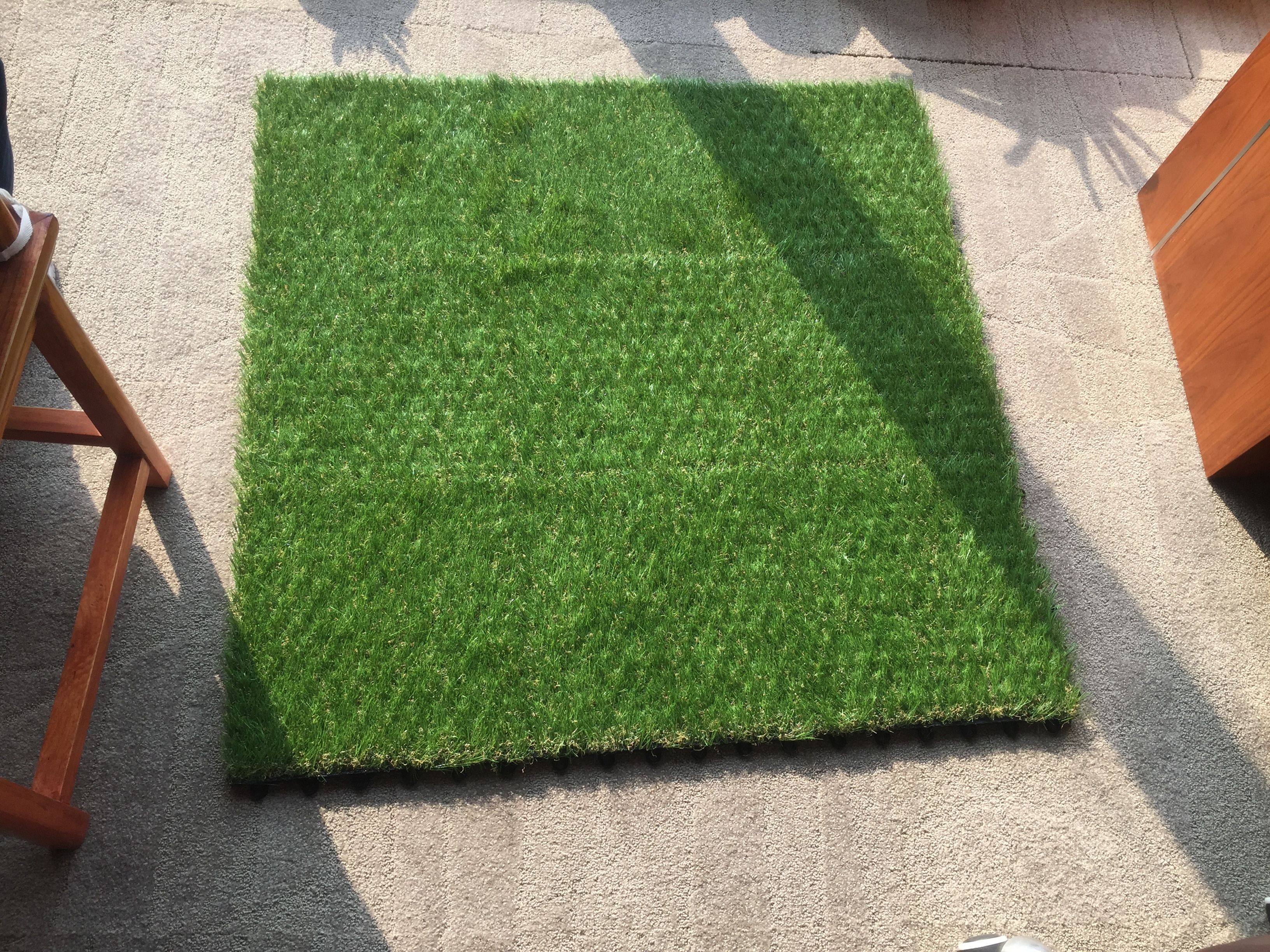 Synthetic grass interlocking tiles is easy to install by