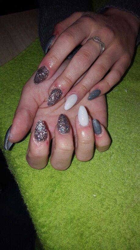 SiaaNails.SiaaMua -> instagram Siaanails-Siaamua.e-monsite.com #siaanails #nail #nailart #nailartist #ongles #ongle #onglesenrésine #ongleenresine #acrylic #acrylics  #acrylicnails #acrylicnail #resin #resineacrylique #modelagedongles #almondnails #Whitenails