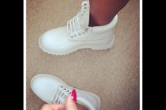 shoes timberland white cute trendy special outfit winter outfits boots women girl lady inneed designer brand expensive gift ideas christmas white timberland boots white timberland bootss