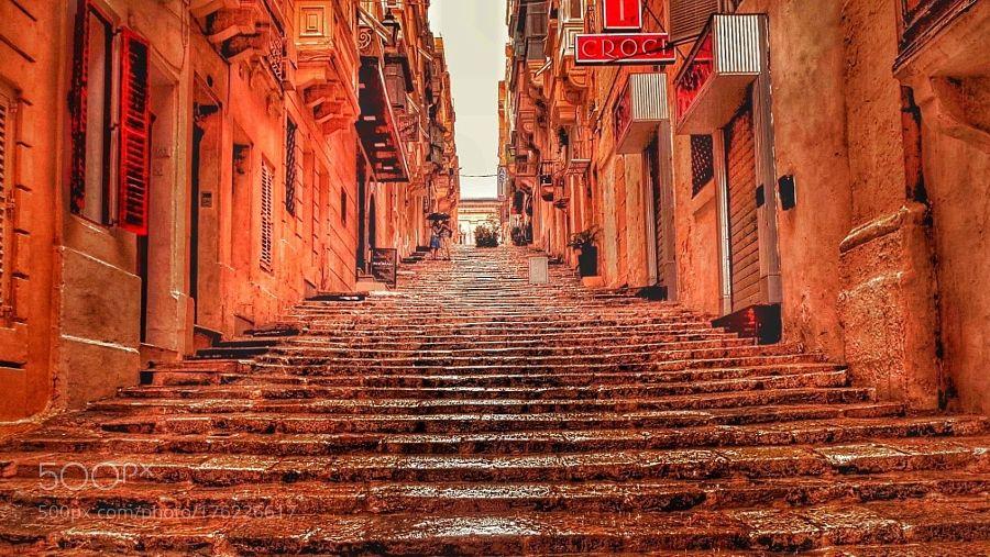 Les escaliers de Malte. by RaphaelDeVeyrac #architecture #building #architexture #city #buildings #skyscraper #urban #design #minimal #cities #town #street #art #arts #architecturelovers #abstract #photooftheday #amazing #picoftheday
