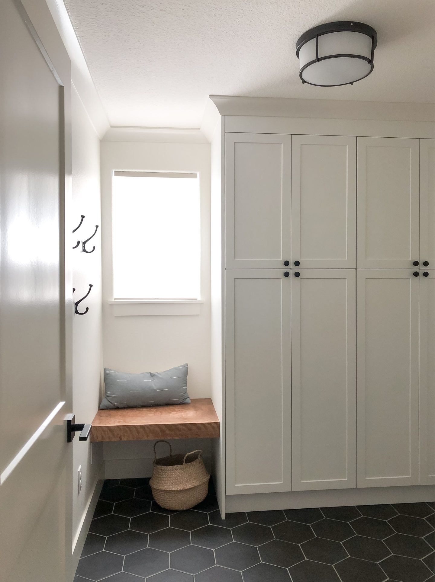 Best Maximize Mudroom Space With White Shaker Door Fronts For 400 x 300