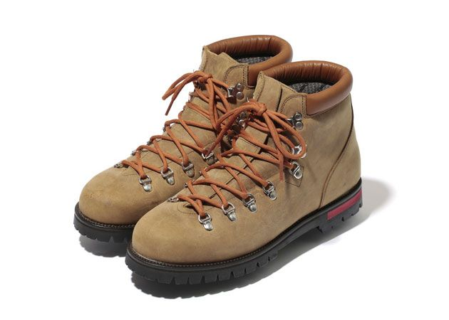 http://www.highsnobiety.com/files/2012/10/bape-mountain-soldier-hiking-boots-1.jpg