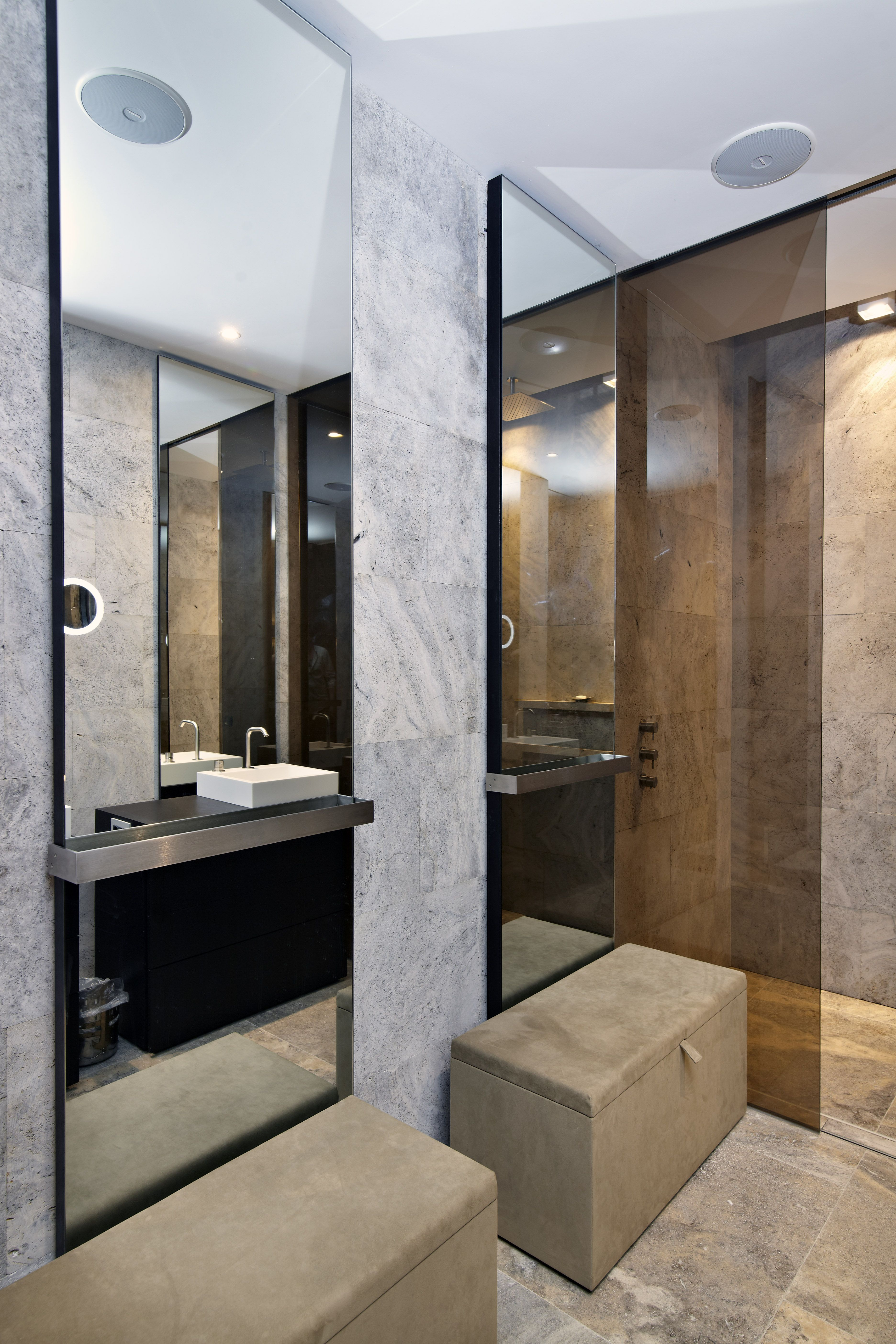 Penthouse #Amsterdam #badkamer #meubel #spiegel #Himacs #S28 ...