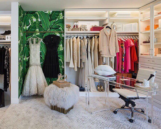 """1,580 aprecieri, 29 comentarii - Kelly Golightly (@kellygolightly) pe Instagram: """"When it's 114 degrees in Palm Springs, the glam cave is the perfect hideaway.  @meghanbob Design:…"""""""
