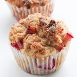 Use that rhubarb that's in all the stores now to make these cinnamon rhubarb muffins! Made with sour cream or Greek yogurt so that they're SO tender and soft. Search rhubarb on my site! Link in bio. #rhubarb #yogurt #greekyogurt #rhubarbmuffins #muffins #vegetarian #cinnamon #baking