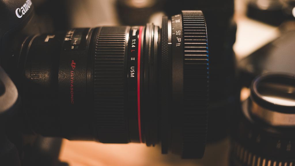 Slr Magic Rangefinder On Canon 24mm F1 4l Rangefinder Camera Reviews Filmmaking Gear