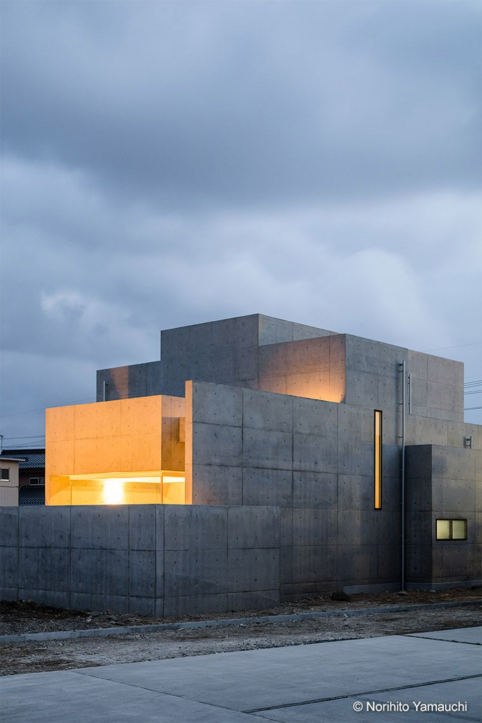 Tranquil House By Form Kouichi Kimura Architects Concrete Architecture Minimalist Architecture Interior Architecture Design