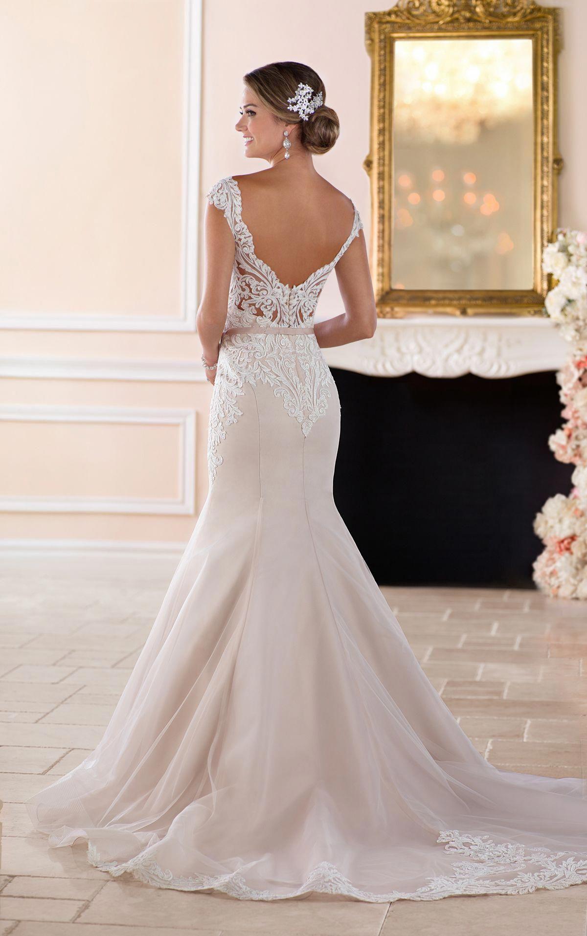 Women's Double Vneck Sleeveless Lace Wedding Dress