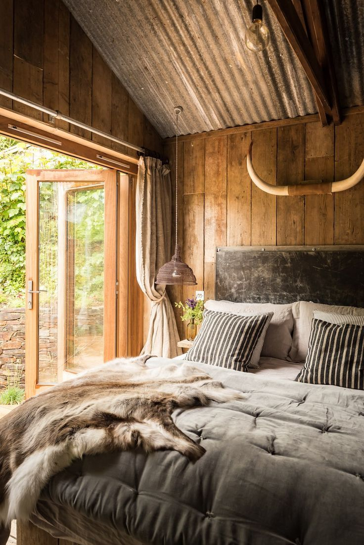 Rustic and romantic Firefly cabin has the