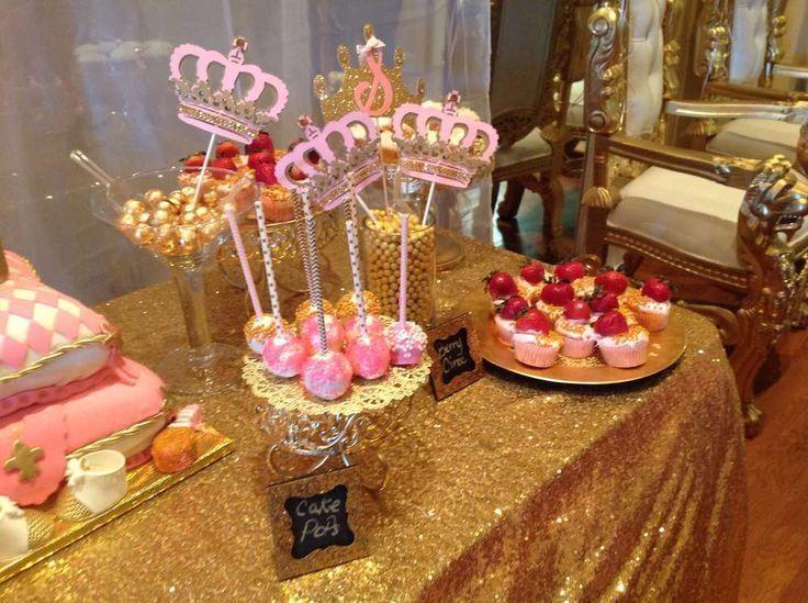Coronas para decorar mesa dulce de baby shower fiestas for Decoracion de mesas dulces infantiles