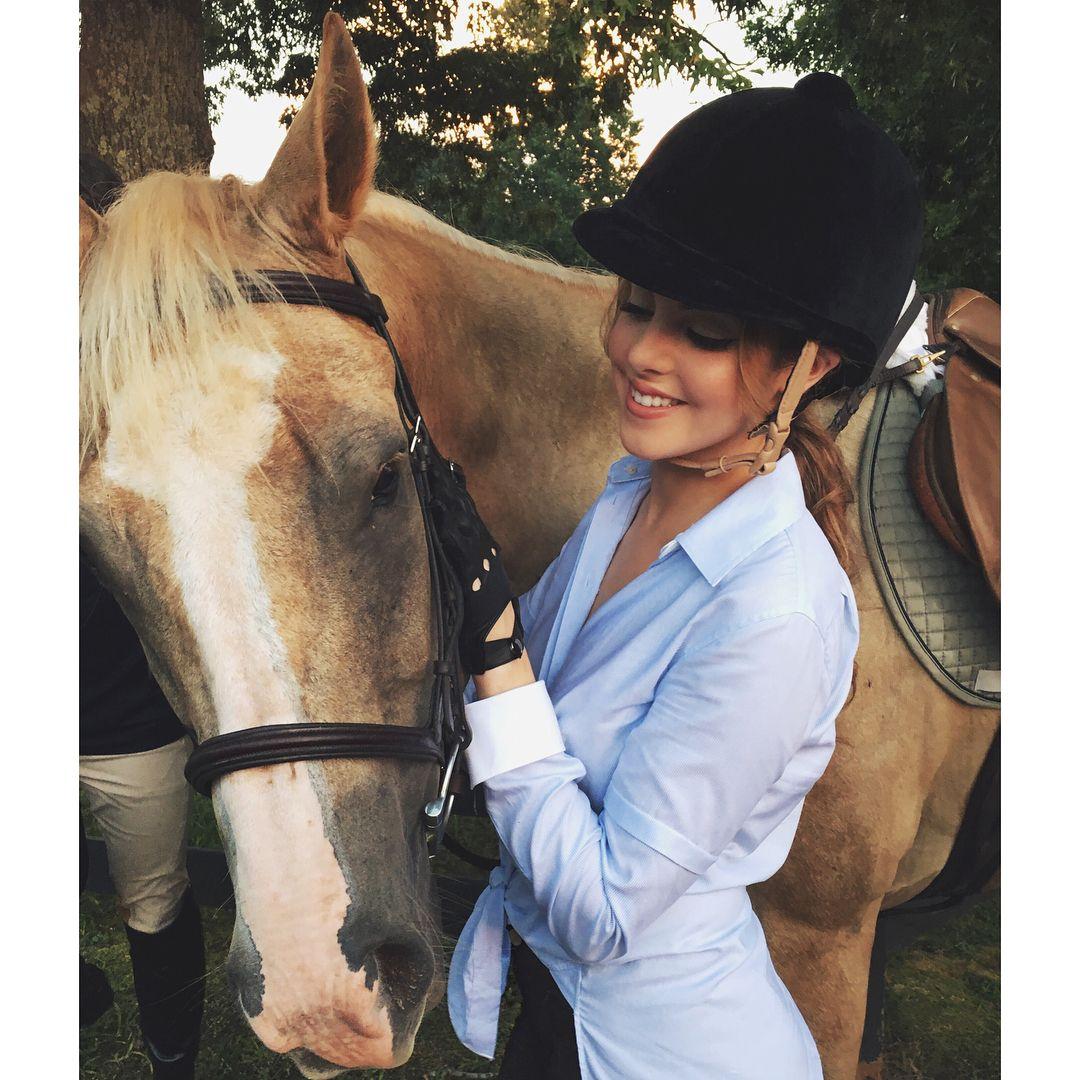 Liz Gillies    Horse     Horse Dynasty   Liz Gillies   Pinterest   30024e