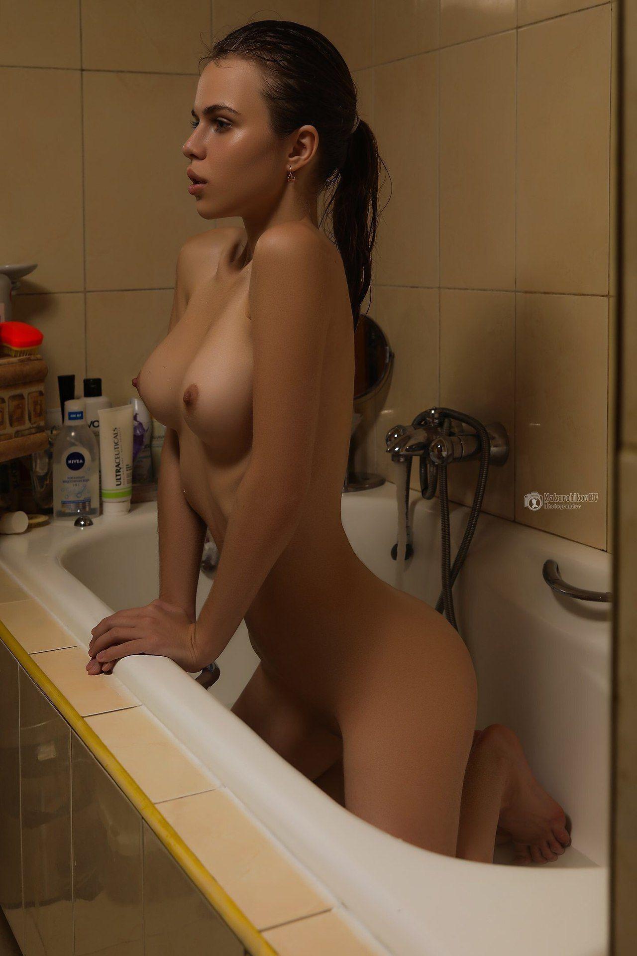 Hot slut naked hidden camera