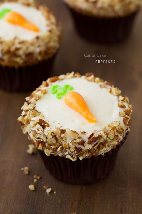 carrot cake cupcakes with cream cheese filling