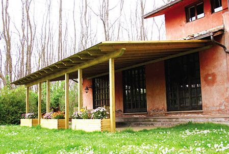 Portico in legno - F.lli Aquilani arredo giardino: progettazione e produzione patio, gazebo e pergole in legno - Viterbo