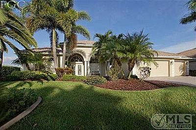 749 000 3bed 2bath Waterfront Pool 5804 Harbour Cir Cape Coral Fl 33914 Cape Coral Harbour Cape