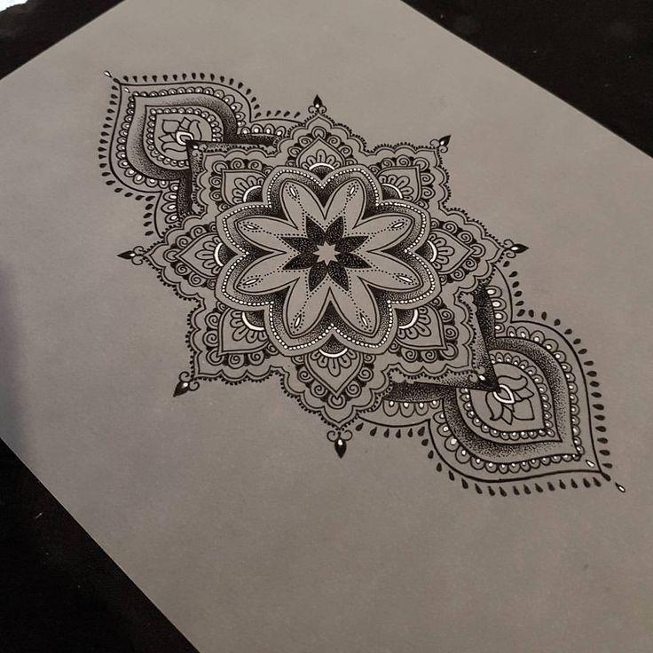 Henna Back Tattoo Drawing: Tatouage Cuisse, Tatouages Mandala
