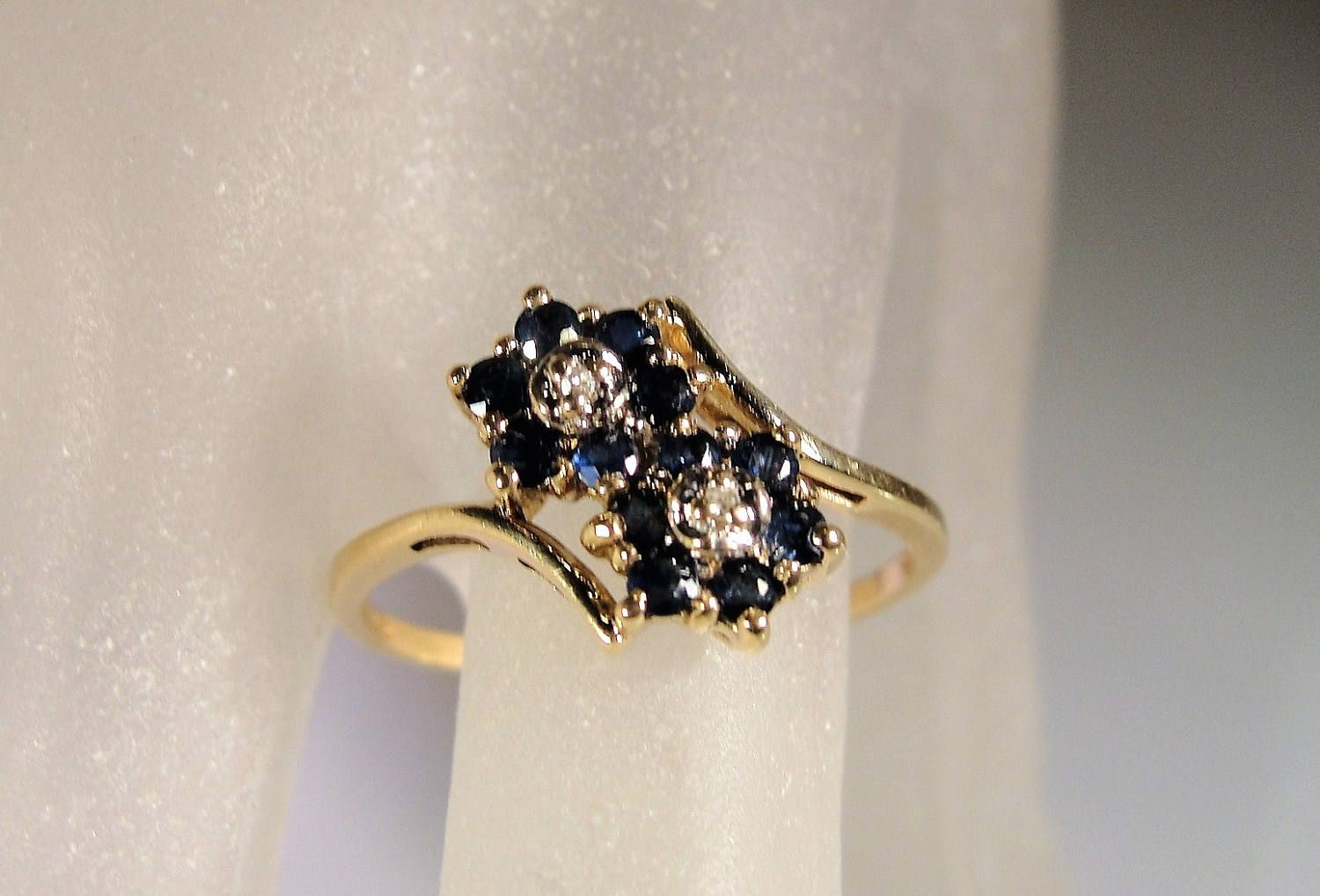 Estate Samuel Aaron 10k Yellow Gold Sapphire Diamond Ring Etsy Sapphire Diamond Ring Yellow Gold Sapphire Sapphire Diamond