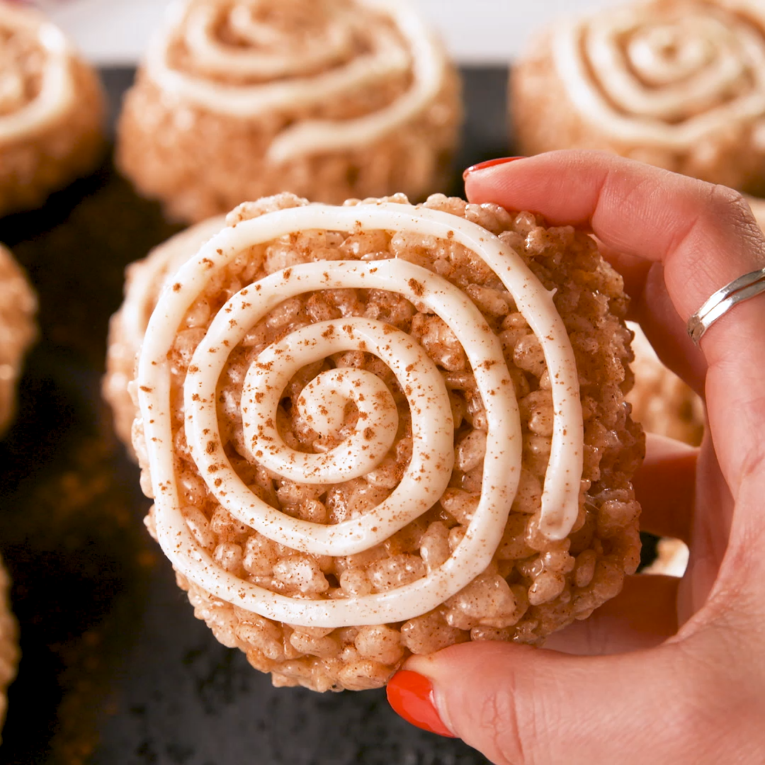 Cinnamon Roll Rice Krispie Treats