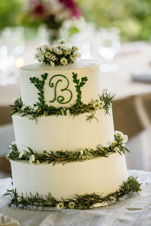 A wedding cake at the Inn at Warner Hall. Photo by David Schwartz ...