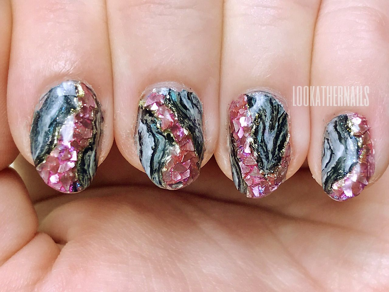 3d geode crushed mineral stone nail art. Click through for more ...