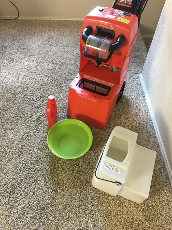 How to professionally clean your own carpets - fast speedy, deep and all DIY!  #rugDoctorDifference #ad