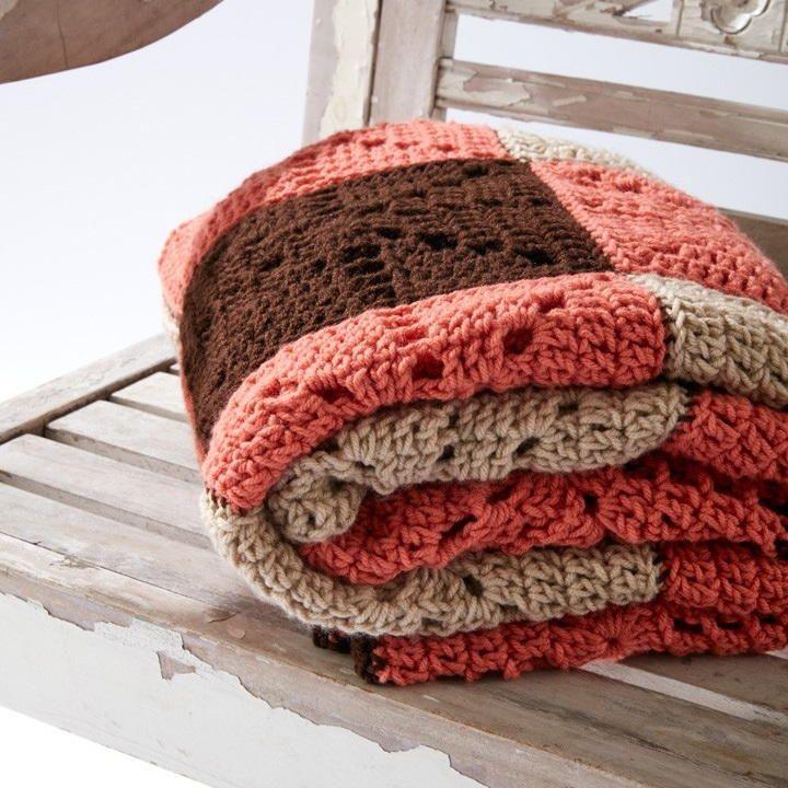 Square Dance Crochet Blanket | Manta