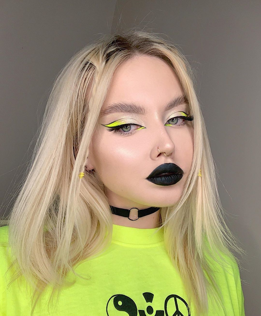 """erica' makeup artist on Instagram: """"i want this look to be my full-time job👽 ⠀ > EYES: @limecrimemakeup venus 2 palette @suvabeauty hydra fx in dance party @kvdveganbeauty…"""""""