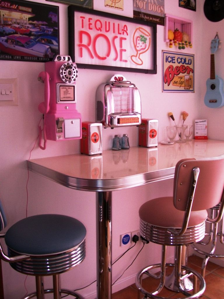Retro Diner Furniture Archives - Lawton Imports
