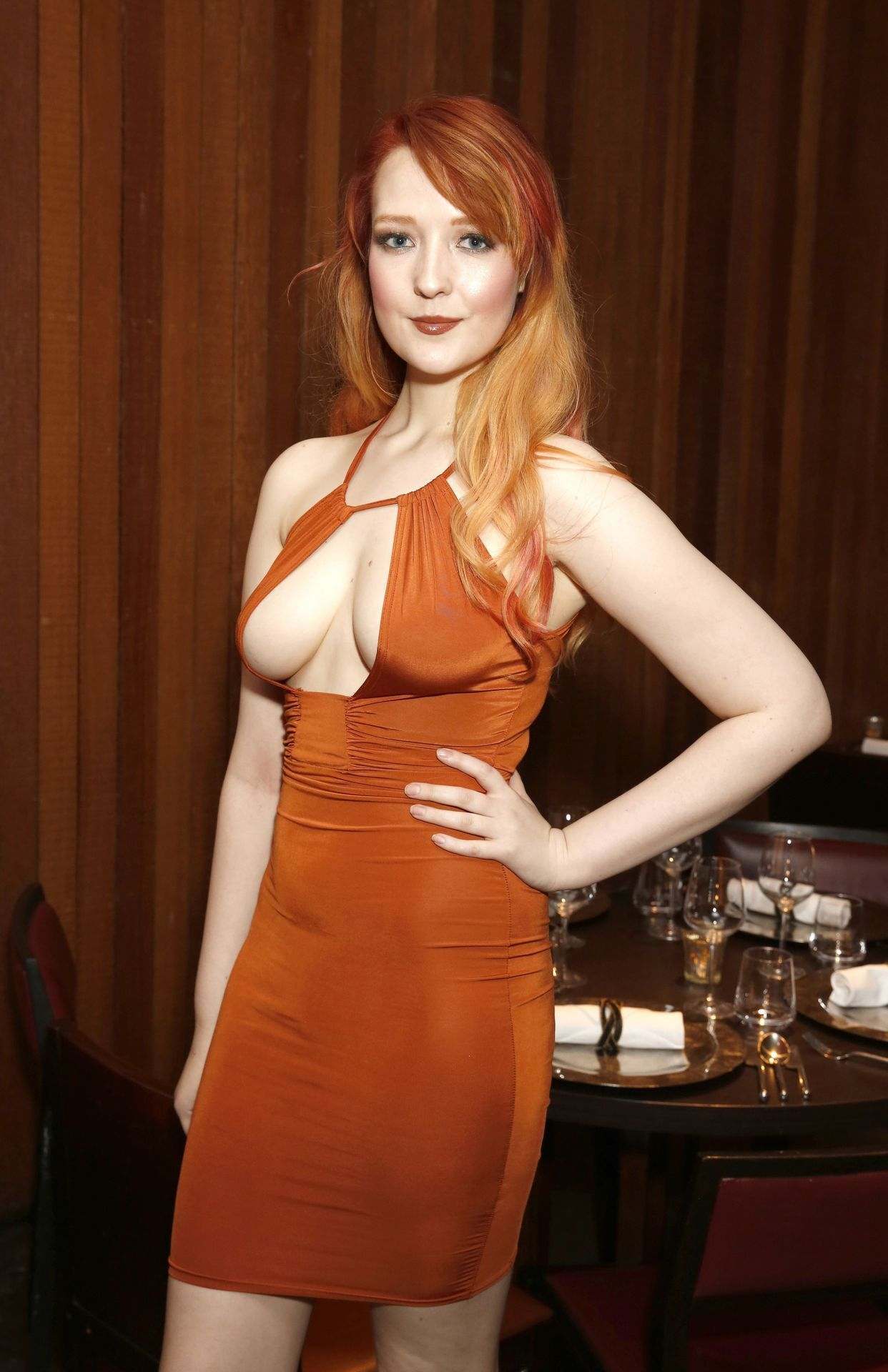Red hot redheads | Tight dresses, Dresses, Fashion