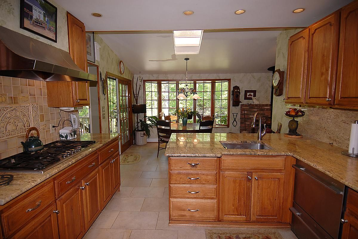 Kitchen from another vantage point | Luxury homes dream ...