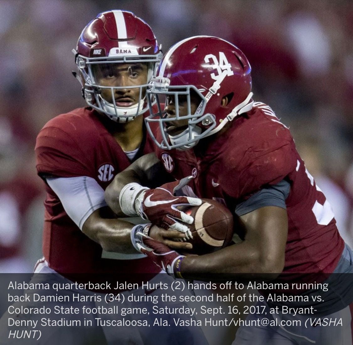 Alabama Quarterback Jalen Hurts 2 Hands Off To Alabama Running Back Damien Harris 34 During The Second Half Of The Alab Alabama Vs Alabama Alabama Football