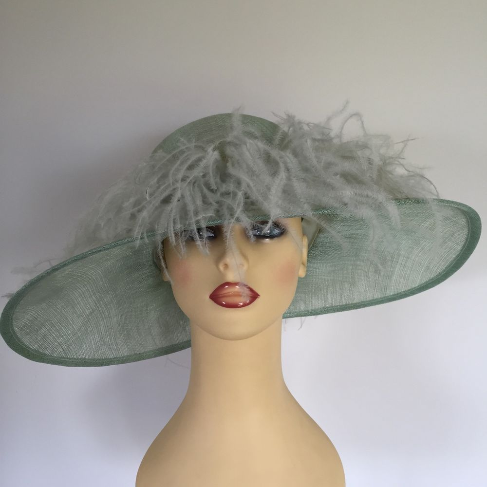 c110561126c42 Ladies Wedding Hat Races Mother Bride Ascot Pale Green Feathers Stunning