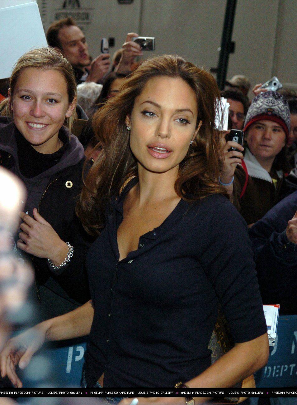 Photo of Angelina Jolie makeup 50+ best outfits #makeup #anjelinajolie