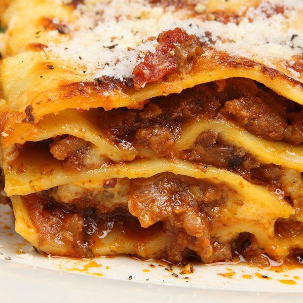 Mammas Lasagna Recipe From The Bakers Dozen Homemade Lasagna Recipes Classic Pasta Recipe