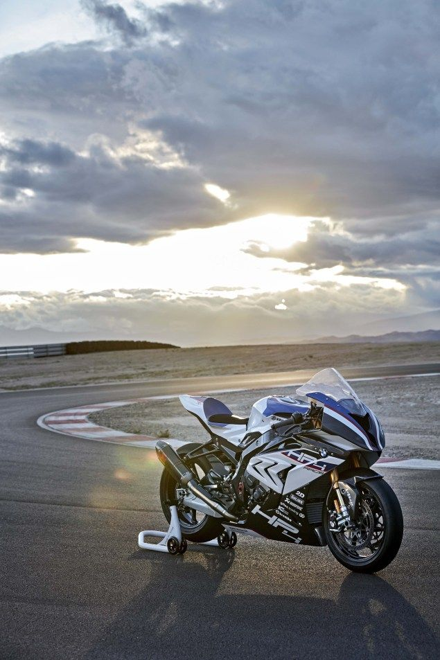 Carbon Fiber Bmw Hp4 Race Debuts In China Bmw S1000rr Xe Mo To