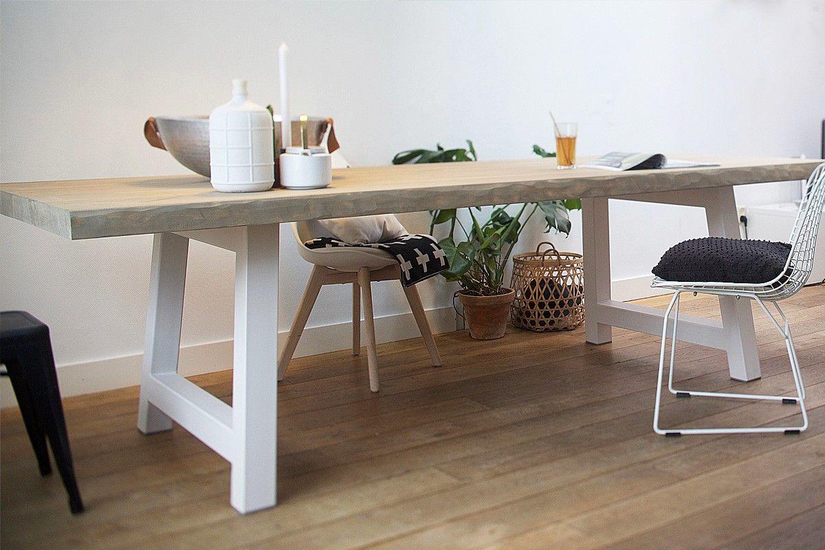 Boomstamtafel bink is een prachtige strakke boomtafel. het tafelblad