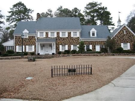 1939 Colonial Haymount Fayetteville North Carolina Colonial House Stone Houses Historic Home