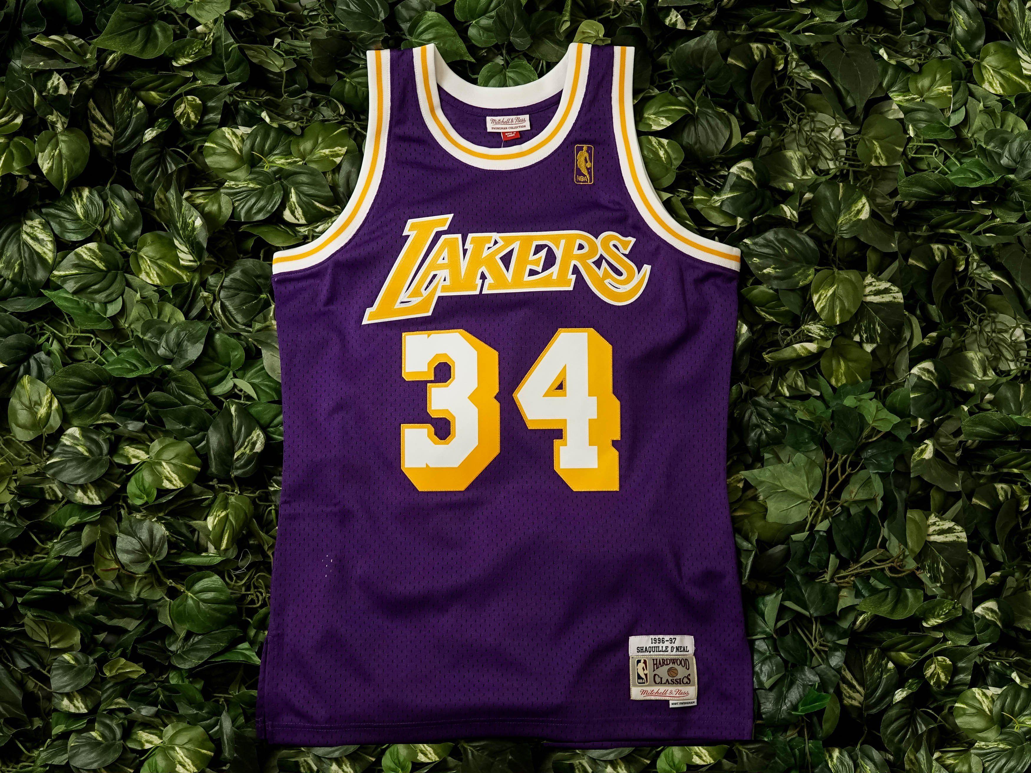 brand new 23f96 f4643 Mitchell & Ness Lakers Swingman Jersey 'Shaq ...