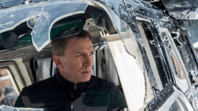 'Spectre' Review: James Bond Sequel Has License to Thrill