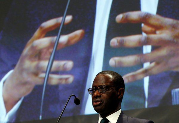 Credit Suisse Boss Faces Revolt From Bankers Over Strategy Shift - NYTimes.com