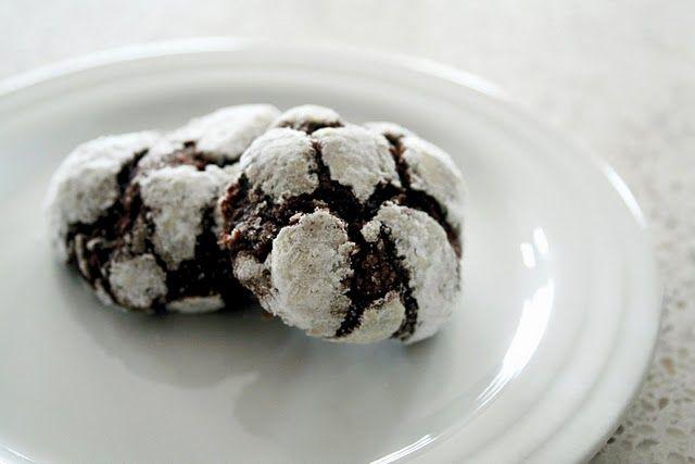 chocolate crackle cookies =)