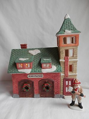 Dickens Collectables FIRE STATION Holiday Expressions 1992 with Fireman figure MBR