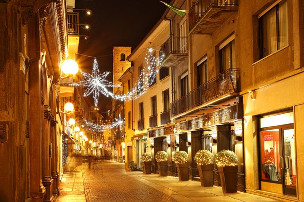 Word of the Week LUCE Italy Pinterest Natale and Christmas lights