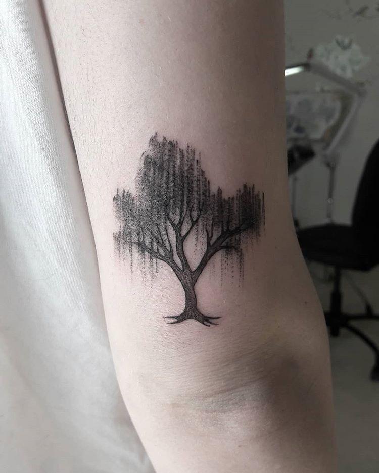 Small Willow Tree Tattoo : small, willow, tattoo, Weeping, Willow, #salicepiangente, #microtattoo, #tinytattoo, #weepingwillow, #weepingwillowtattoo, #treetattoo, #lin…, Tattoo, Small,, Tattoos,