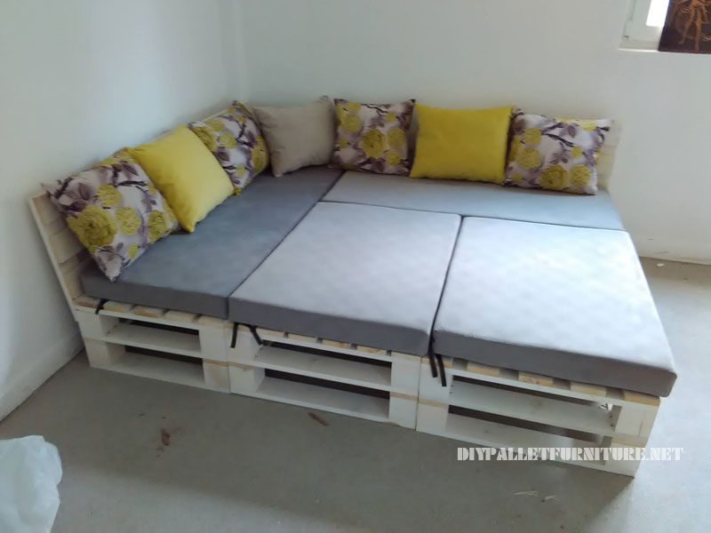Pallet Sofa Puff And Table Convertible Into A Bed 1 Canape En U