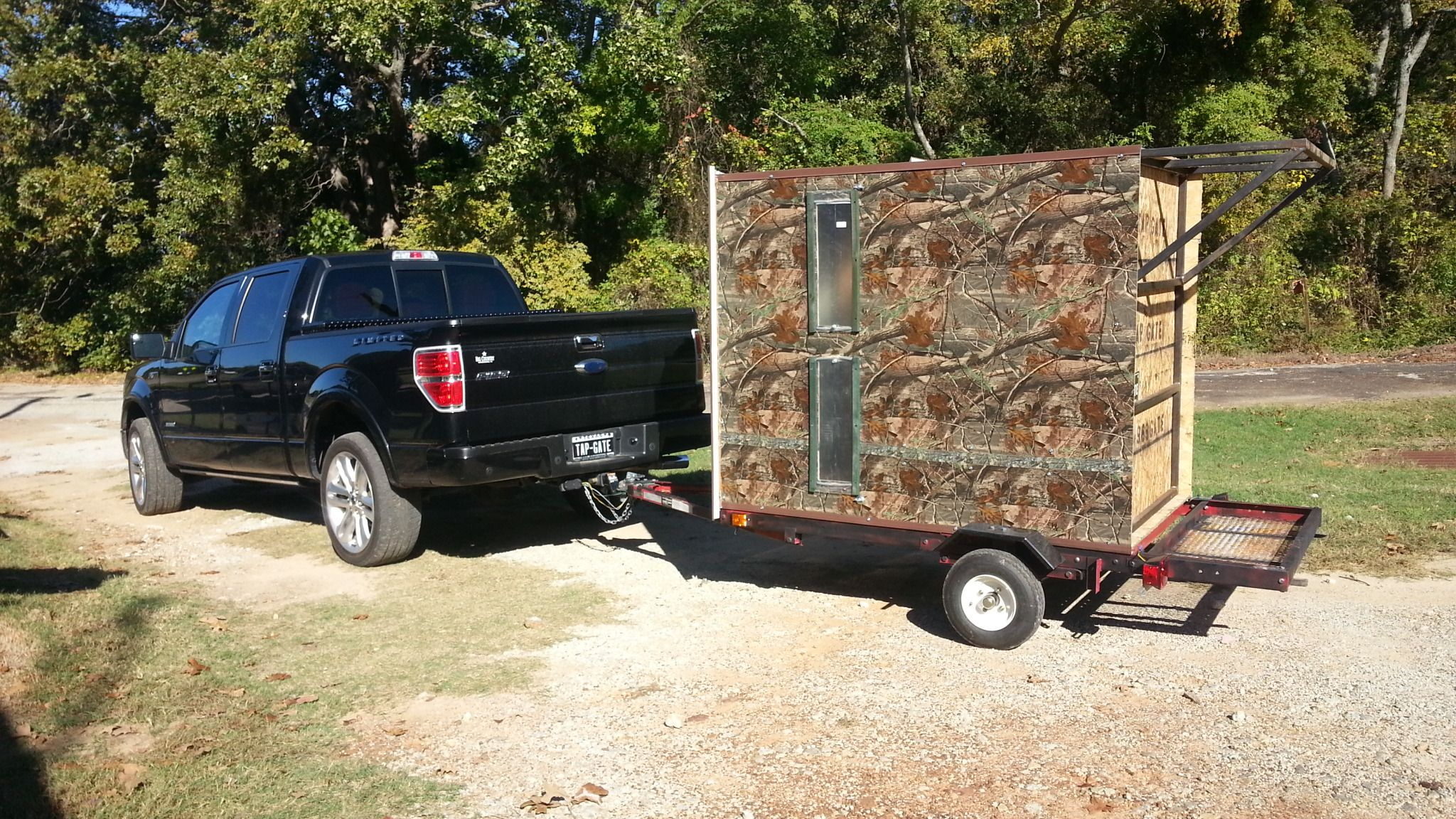 Fully portable hunting blind built on a small trailer for